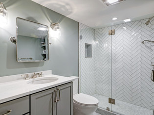 Arlington Apartment Bathroom