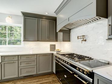 Country Club Hills Kitchen