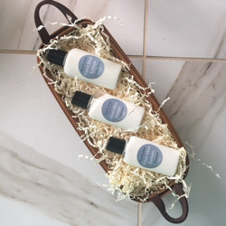 Long basket with 3 small lotions