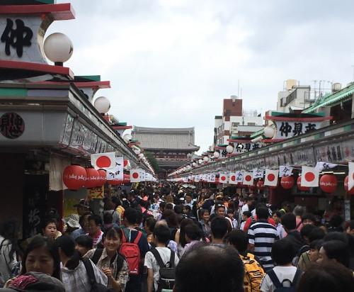 Nakamise-Dori crowds