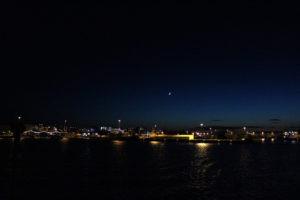 REyk at night