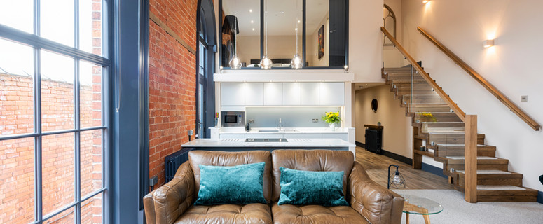 Luxuriously furnished self-catering apartment