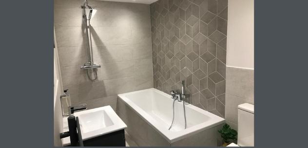 En-suite wetroom to first floor master bedroo
