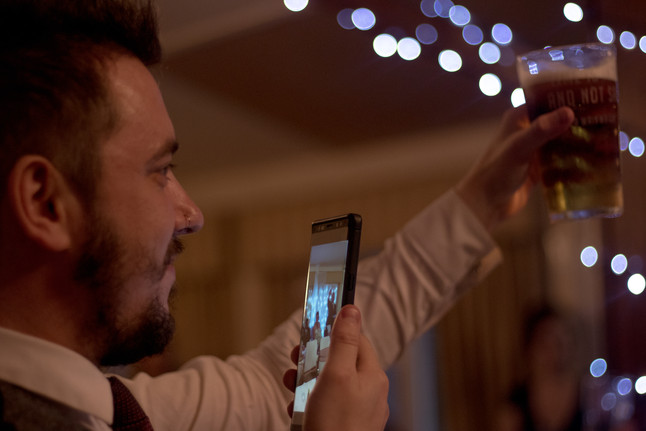 toast, toasting the happy couple, cheers, drink up, wedding day, wedding speeches, fairy lights, candid, candid photography, wedding photographer, in Hull