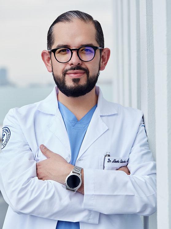 Dr. Alberto Sánchez 6.jpg