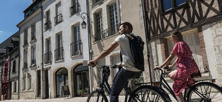 奥尔良骑行小贴士 Comment faire du vélo à Orléans ?
