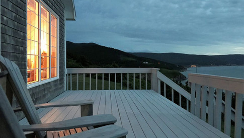 Cliff Waters Cottage Deck