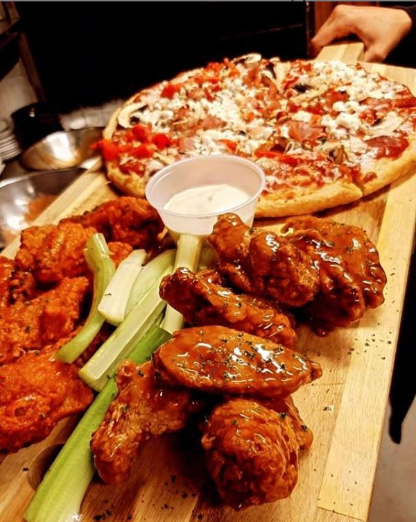 2 lbs wings + pizza