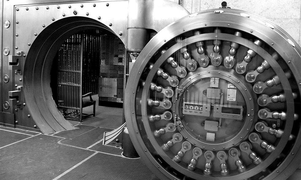 Union-Trust-Bank-Vault-Cropped_edited.jp