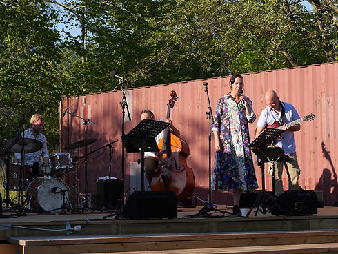 Stora scenen med AL Kvintetten.jpg