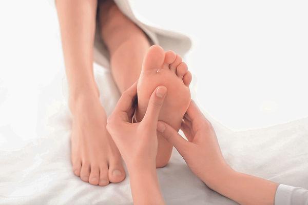 SOIN_FOOT_PEELING_.jpg