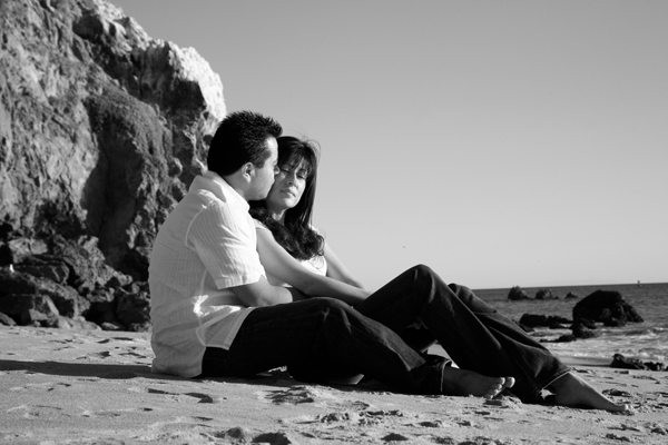 malibu-beach-engagement-pictures-1