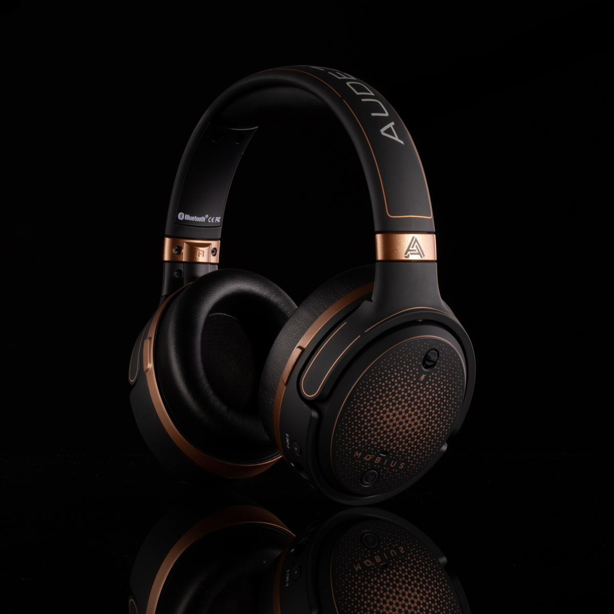 Audeze1565-Edit.jpg
