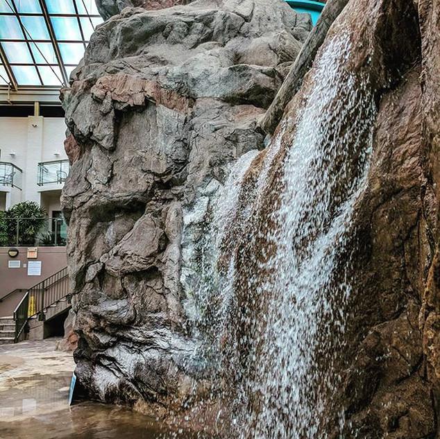 Infinity edge waterfall