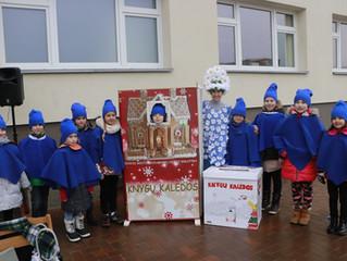 Teatralizuota Knygų Kalėdų namelio atidarymo šventė