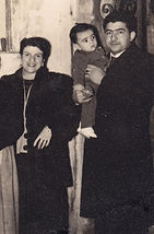 Hugo y sus papás: 1 año e edad