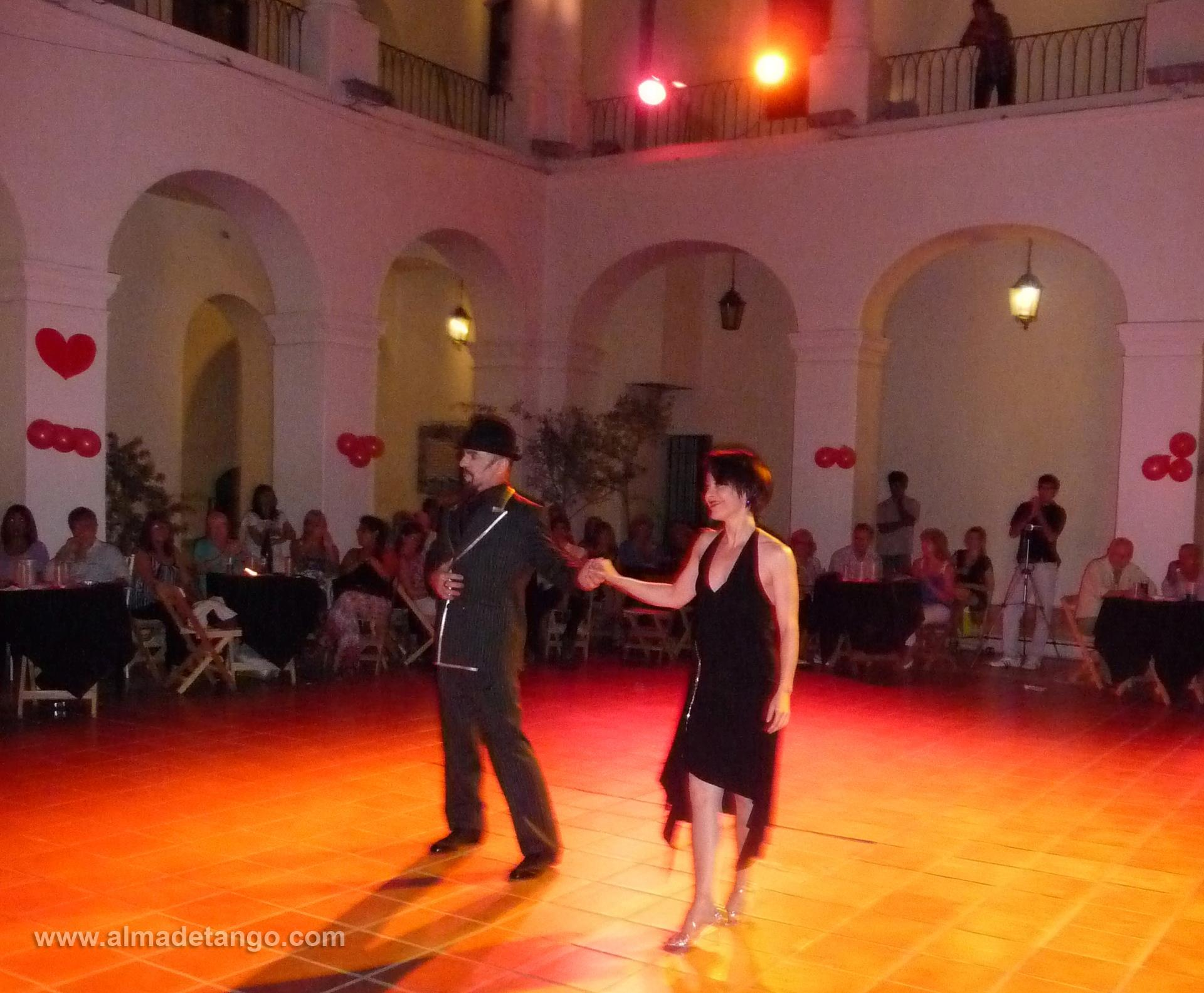 Hugo Fernández & Rachel Weeks