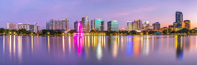 orlando-skyline-lake-eola-sunset-panoram