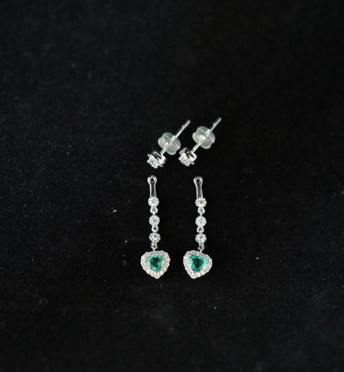 18k gold natural emerald and diamond earring