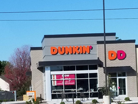 LOOK! It's a Dunkin' Donuts!!