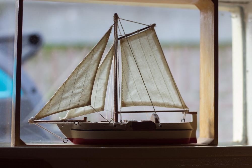 Model Boat Amsterdam | Meghan Stark