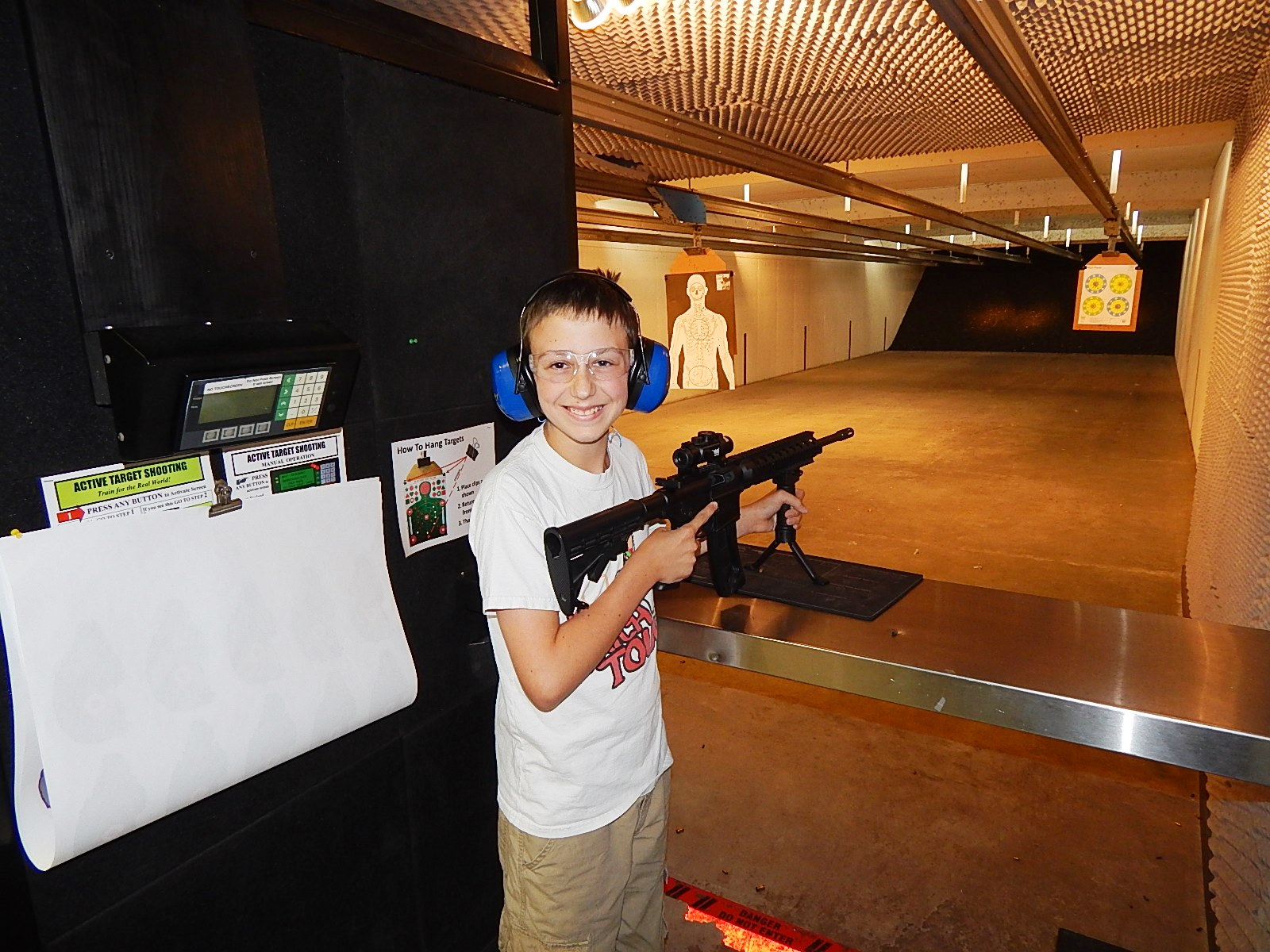 Fun At Frontier Firearms 04.jpg