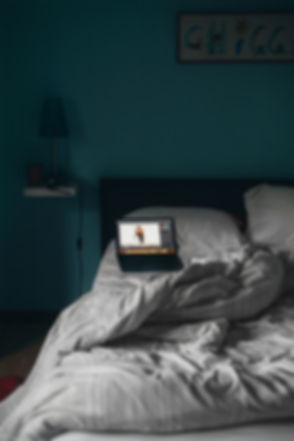 bed-bedroom-bedsheet-1554188.jpg