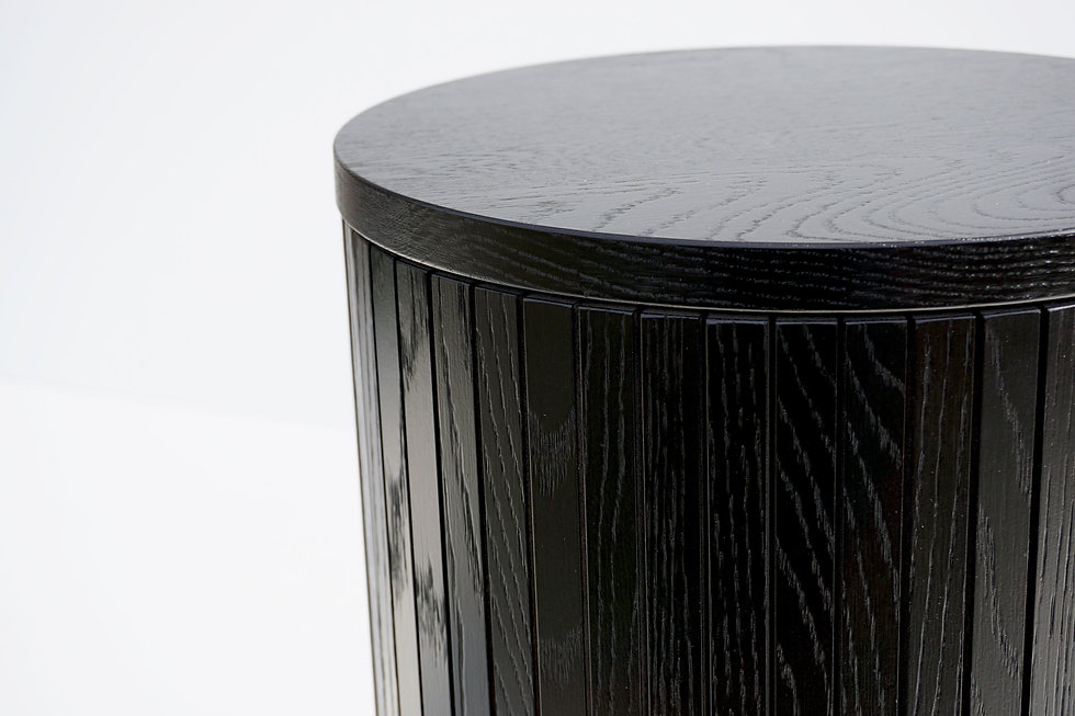 Spoak black oak side table, stool