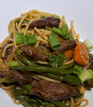 Full-flavored Beef Stir-Fry with Noodles