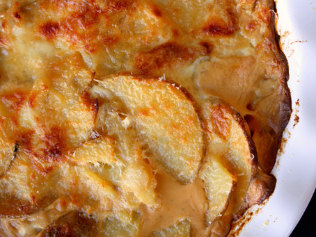 Crowd-pleasing Cheesy Scalloped Potatoes