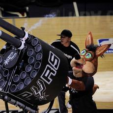 The Coyote SPURS Double Barrel Gatling Tshirt gun cannon