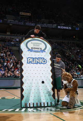 milwaukee bucks giant plinko game