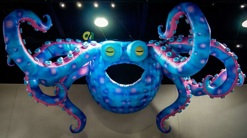 Giant Octopus Inflatable.jpg