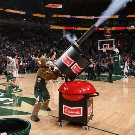 NBA Milwaukee Bucks Bratzooka Gun