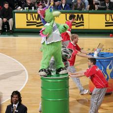 NBA Mascot Ball Blaster Battle