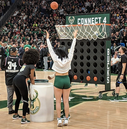 NBA Milwaukee Bucks Connect Four Basketball