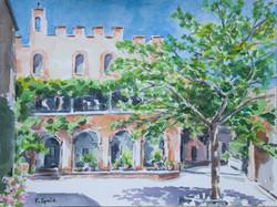 Italie - Cour du chateau de Montalto