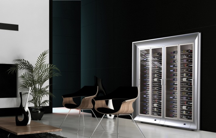 Customised made-in Italy wooden frames to match any interior designs