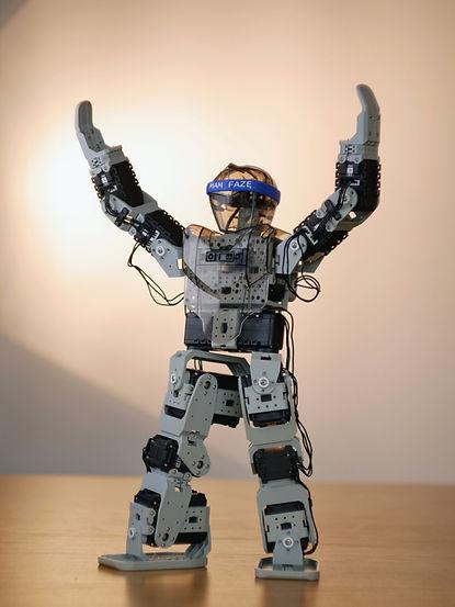robot_small.jpg