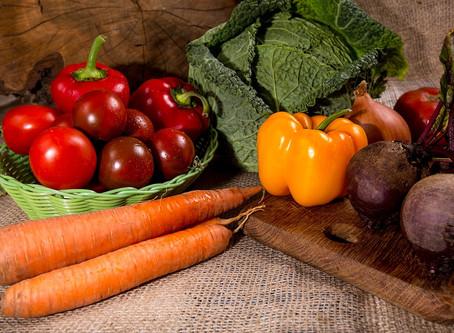 Como se alimentar de forma saudável gastando pouco