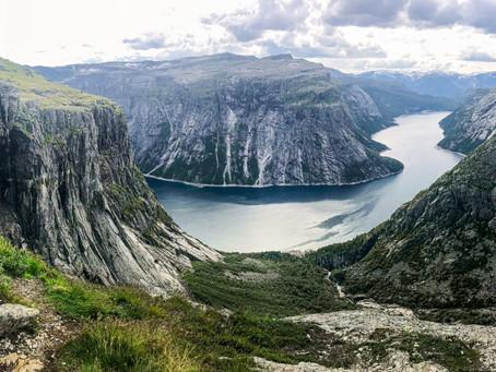 Norweskie wędrówki - szlak na Trolltunga.