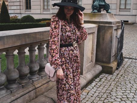 Niedzielna stylizacja | Sukienka w kwiaty za kolano.