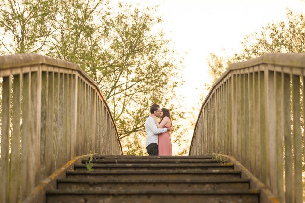 first kiss on bridge