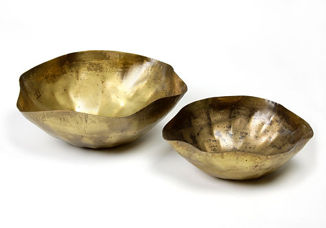 Antiquated bowls S/2
