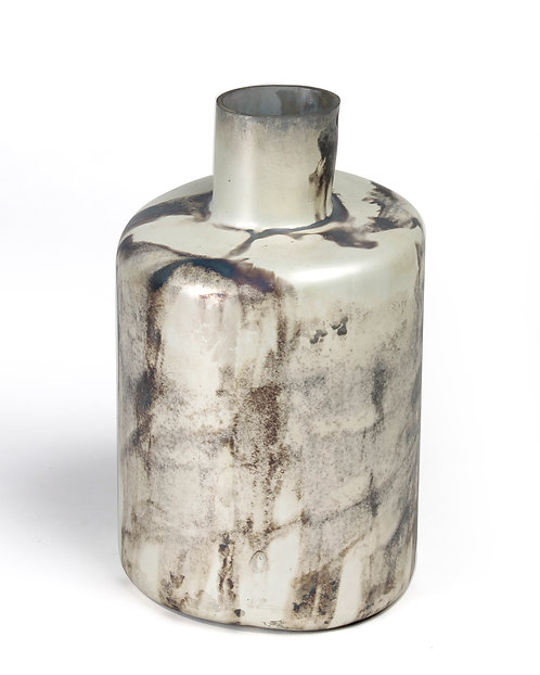 Closed cylindrical vase
