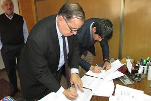firma-convenio-u-cervantes-fundacion-pue