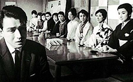 映画「黒い十人の女」