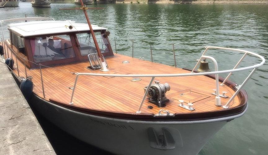 Diner croisière Paris : Le Paris Yacht 1, yacht de charme