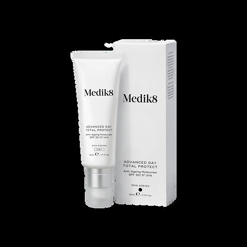 Medik8 ADVANCED DAY TOTAL PROTECT™ Антивіковий омолоджувальний крем із SPF 30