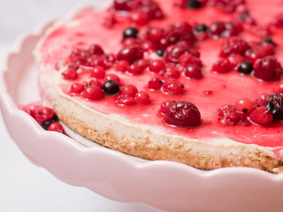 """עוגת """"גבינה"""" טבעונית ללא גלוטן וללא אפייה"""